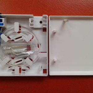 1 set roset 86 (1 pigtail putih SC & 1 adapter)